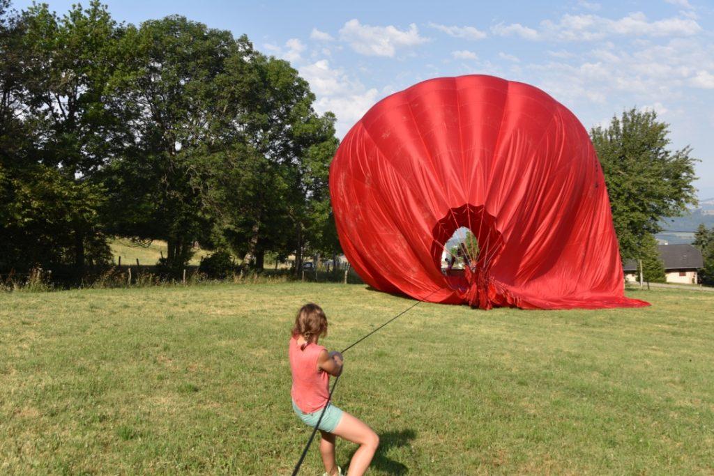 ho hise gonflage de la montgolfière